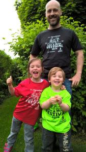 Auch Familie Deege präsentiert unsere diesjährige Farbauswahl